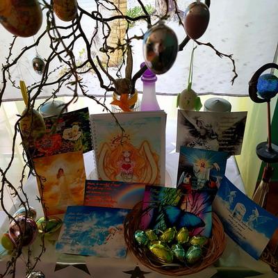 Nagy Szaffina képeslapjai és könyvei megvásárolhatóak a nagyszaffinaeletmuvei.hu weboldalon.